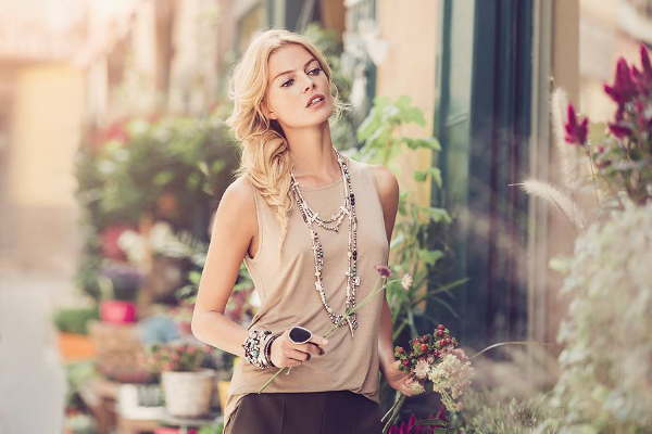 Layer style of bracelets and necklaces